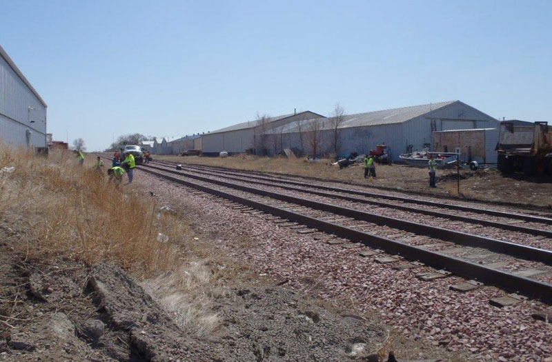 PILC Students Clean Railroad Right of Way